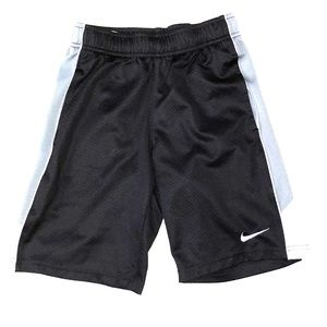 Boys Small 8 Nike shorts black & grey drifit